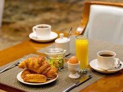 Best Cafes Around Mamaison All-Suites Spa Hotel Pokrovka Moscow